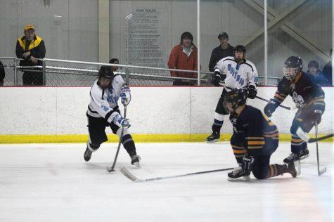 Ice hockey shuts out B-CC on senior night, 4-0
