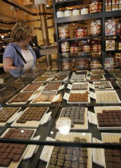Max Brenner Chocolate Bar To Open In Bethesda The Black White