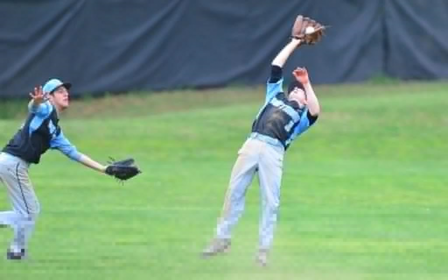 Outfielder Eric Wayman catches the final out of the game. Photo courtesy Whitman baseball.