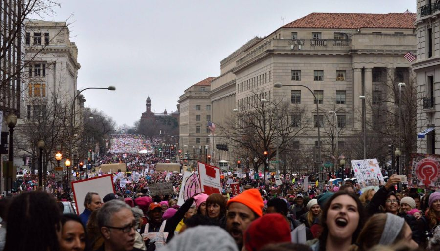 Thousands+of+protestors+gathered+in+Washington+D.C.+on+Jan.+21+to+attend+the+Women%27s+March+on+Washington%2C+uniting+for+women%27s+rights.+Photo+by+Annabelle+Gordon.