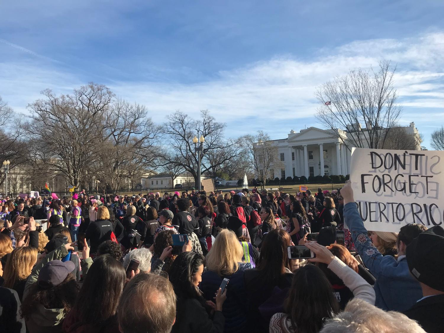 Women's March attendees protest at the White House. This year's march drew about 10,000 participants, including many Whitman students. Photo by Eva Liles.
