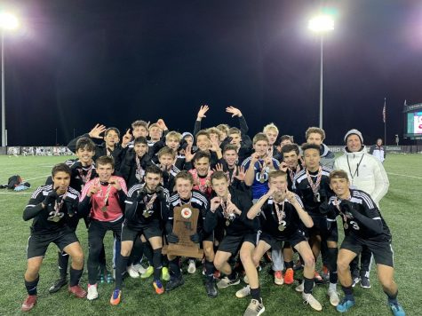Boys soccer captures state championship 2–1 over Urbana