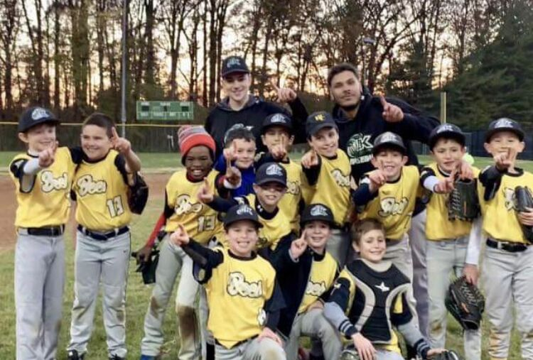 From player to coach: seniors come back to the game