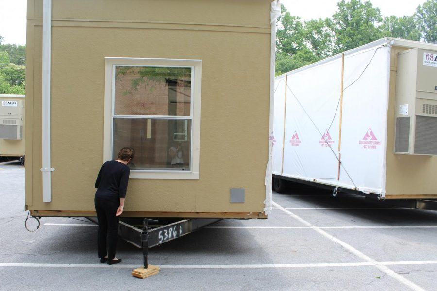 Special delivery! MCPS plunks portables in parking lot, drivers forced to evacuate
