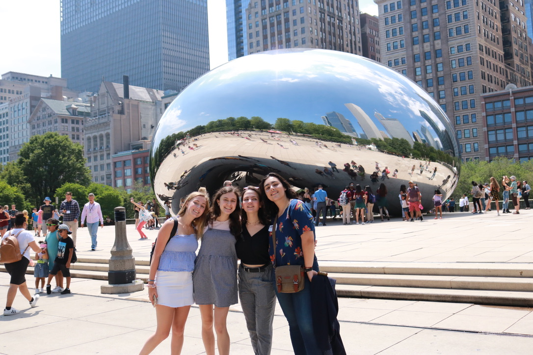 Print+Managing+Editor+Katie+Hanson+%28second+from+left%29+joins+other+students+at+The+Medill-Northwestern+Journalism+Institute+in+visiting+The+Chicago+Bean+in+Millenium+Park.+Hanson+spent+five+weeks+at+the+program%2C+where+she+refined+her+skills+in+broadcasting%2C+reporting+and+interpretive+dancing.+