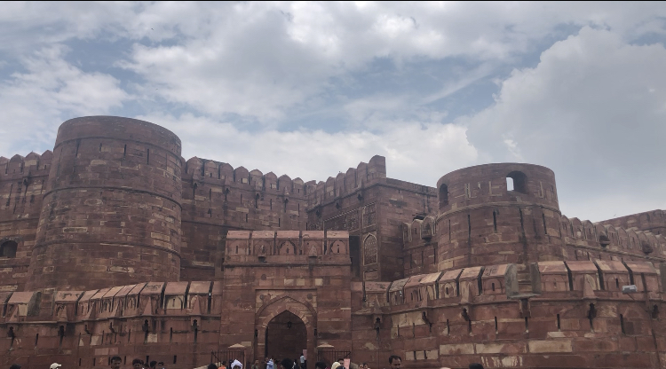 This+summer%2C+I+traveled+to+India.+This+is+the+Agra+Fort+located+in+Jaipur%2C+India+where+the+Taj+Mahal+is+also+located.+