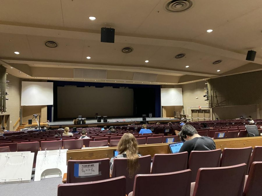 Photo of the Day, May 24: Class in the auditorium
