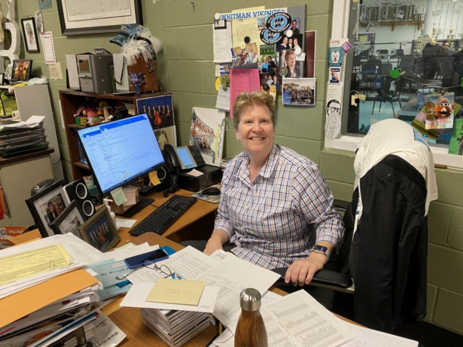 """""""She puts everything into her work"""": Music teacher Terry Alvey retires after 15 years at Whitman"""