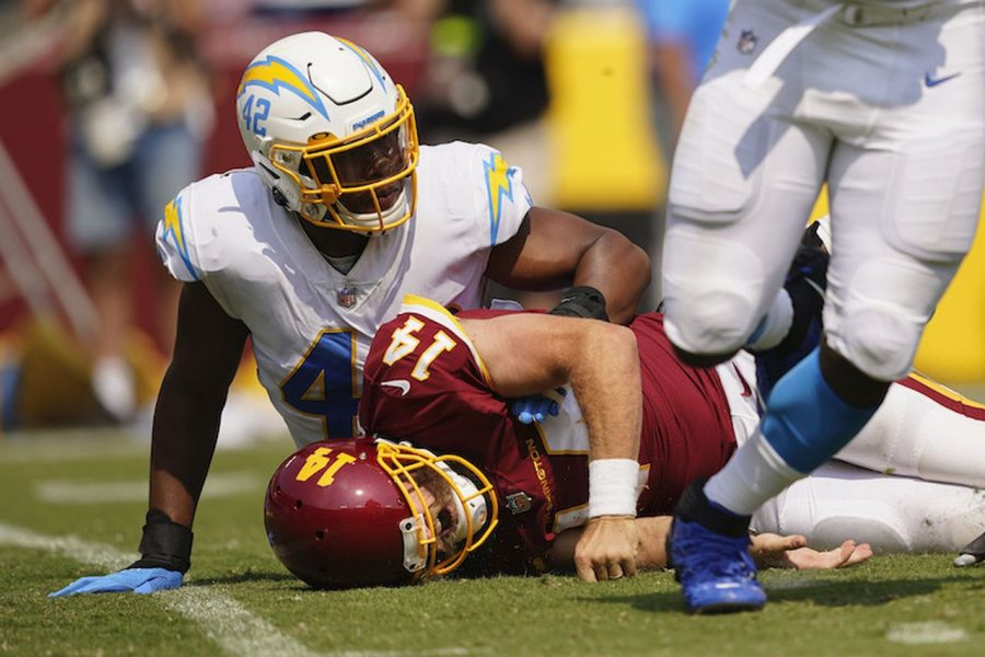 Ryan Fitzpatrick's injury was one of the several lowlights for the WFT during Sunday's 20–16 loss to the Chargers. (Photo credit: Andrew Harnik/AP Photo)