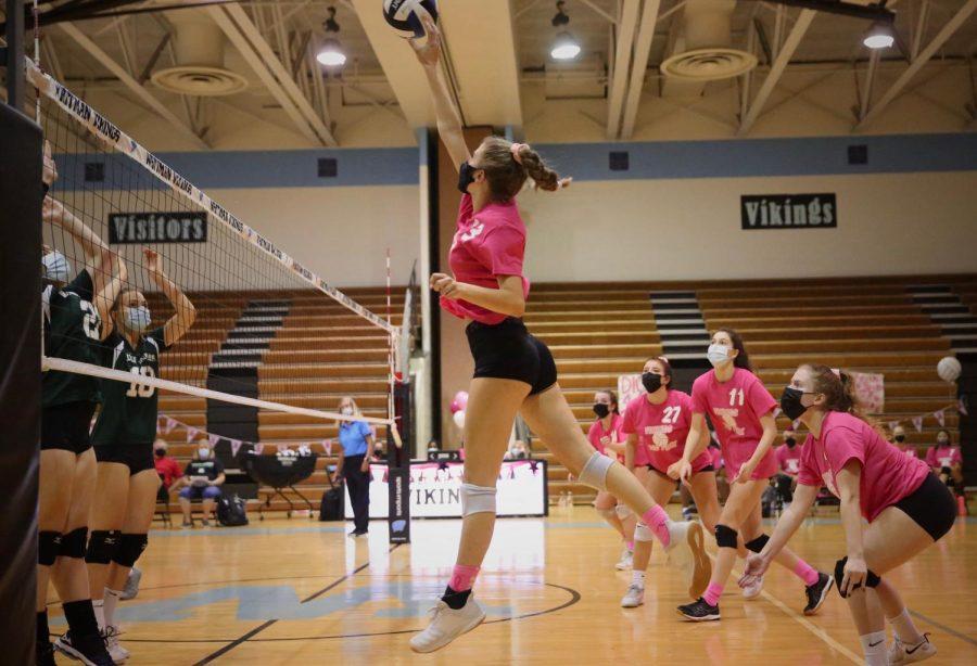 Girls volleyball breaks their losing streak on Dig Pink night